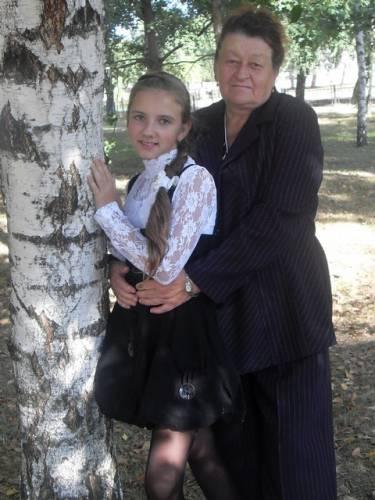 Виктория Высоцкая с бабушкой